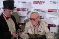 Stan Lee (loves magic!)