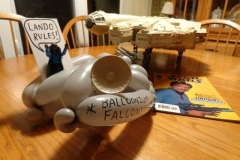 Millenium Falcon (Balloon)